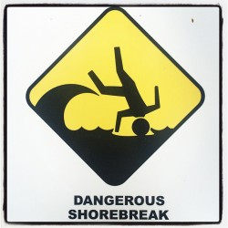 Dangerous shorebreak sign in Maui. Photo by MeLinda.